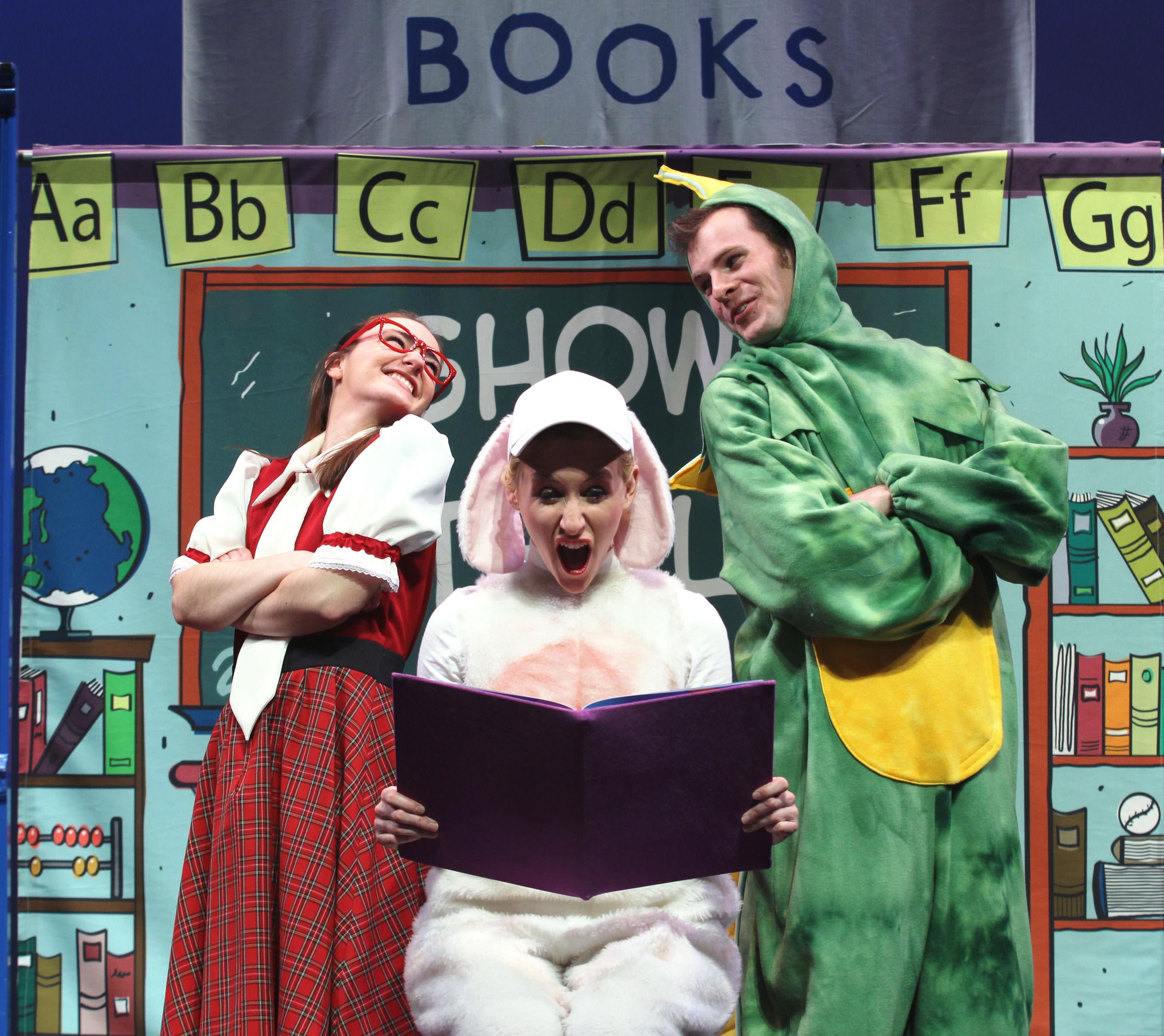 dog-loves-books-08